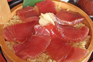 三重の郷土料理!カツオでつくる「手こね寿司」の …